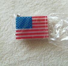 Avon Key Chain American Flag Red White Blue Light Up Key Ring With Battery NIB