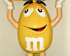 XXL Kunststoff Aufsteller Figur in gelb,Reklame Werbung M & M,rar,Höhe 95,5cm