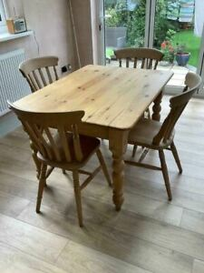 Lovely pine dining table with drawer