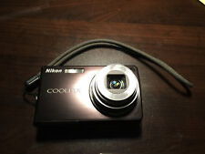 Nikon COOLPIX S550 10.0MP Digital Camera - Graphite black + 32MB SD memory card