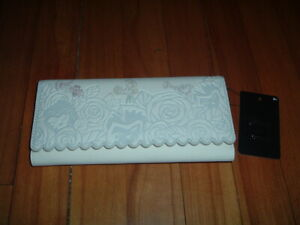LOUNGEFLY DISNEY ALICE IN WONDERLAND FLORAL WALLET~ BRAND NEW~ WITH TAGS~
