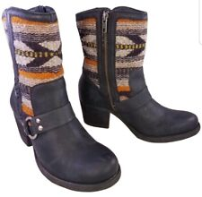 BORN TAPESTRY NATIVE INDIAN LEATHER BOOTS WOOL WOMEN SZ 7/38 MINT