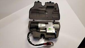 Tailgate Lift Hydraulic Pump with Case Mercedes-Benz ML/M-CLASS W164 A2518000035
