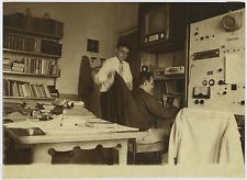 Italia, Radio amatori. Judice Cindyla  Vintage silver print Tirage argentique