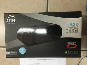 Altec Lansing Xl Jacket Speaker System - Wireless Speaker[s] - Black - (IMW645)