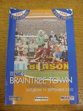 11/09/2010 Braintree Town V dover Athletic (lieve piega). condizione: aspiriamo