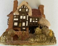 Lilliput Lane Three Feathers Cottage from the England Collection Handmade UK