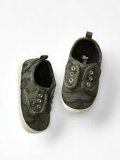 GAP Baby / Toddler Boy NWT Size 12-18 Months Camo / Green Slip-On Sneakers Shoes