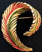 VINTAGE - GOLD TONE FEATHER BROOCH - NICE QUALITY!