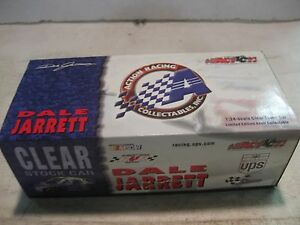 Nascar #88 Dale Jarrett UPS Ford Taurus 124 Scale Diecast From Action 2001 dc702