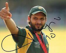 Shahid Afridi Signed Pakistan Cricket Photo AFTAL RD175 COA Boom Boom Afridi
