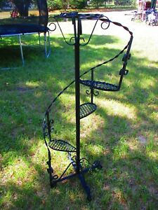 VINTAGE BLACK LARGE WROUGHT IRON SPIRAL WITH 3 STEPS TOP BASKET NICELY DETAILED