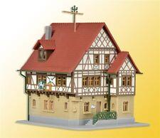 36405 Kibri Z Gauge Kit of Half-timbered Hotel White Horse L 6,5 x B 6 x H6,5 cm