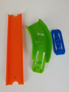 Vintage Hot Wheels Ultimate Garage New 2015 Escape GREEN RAMP REPLACEMENT PART