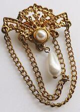 broche bijou vintage couleur or perle poire pampille chainette 516