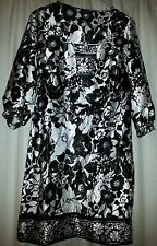 Stunning silk Black & White Dress Size 8
