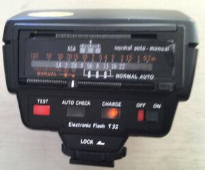 OLYMPUS OM Series T32 Electronic Flash Unit Nice Condition Bag Tested Working