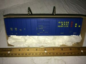 ROUNDHOUSE/ MDC 50 ft FMC single door boxcar Golden West  Free USA ship