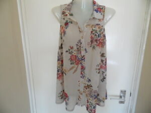 Ladies Beige Sleeveless, V Neck, Collared, Floral Top & Floral Buttons Size 10