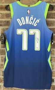 PSA/DNA Dallas #77 LUKA DONCIC Autographed Nike VAPORKNIT Graffiti Jersey Auto
