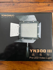 New Yongnuo Digital Pro LED Video Light YN300 III SLR Compatible 5600k 043013