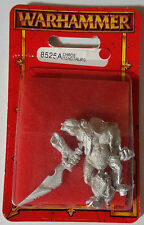 GW Warhammer Chaos Minotaur with Sword 8525A(a) 1997 - METAL OOP SEALED BLISTER
