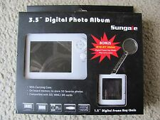 "Sungale 3.5"" Digital Photo Album Bonus Digital Frame Key Chain w/Carrying C"