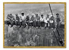 Déjeuner sur un Gratte-Ciel Affiche Hommes sur Poutre New York Encadré de Chêne