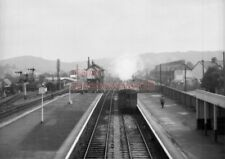 PHOTO  GWR LOCO  6411 AT CAERPHILLY RAILWAY STATION ON A PONTYPRIDD AUTO TRAIN O