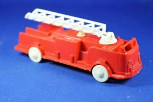 Plasticville - O-O27 - V-6 or V-10 - 1 Fire Truck - EXCELLENT Condition