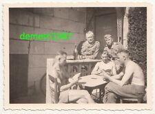 Foto Soldaten spielen Karten Sankt Fort France Frankreich Waffenmeisterei 2 Wk !