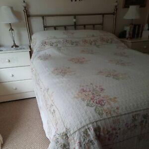 "Kingsize Dorma Bedspread 102""W x 100""L Floral Tapestry look Washable Reversable"