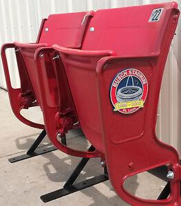 Busch Stadium Seats, Cardinal - Refurbished Riser-mount: COMMEMORATIVE MEDALLION