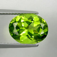 4.11 ct  HI END LUSTROUS GREEN NATURAL PERIDOT - Oval - See Vdo - 3687