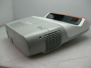 EPSON EB-460e Ultra Short Throw Projector H343B 3000 ANSI LUMENS ONLY 50 Hours