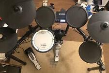 E-Drum Set Roland  TD-4, Fußmaschiene Yamaha