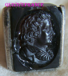 BAGUE INTAILLE XIXe en quartz fumé, buste de SCHILLER