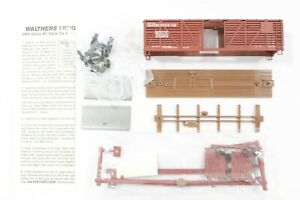 HO Walthers Mather 40ft Stock Car w/ Braced Ends, New Kit