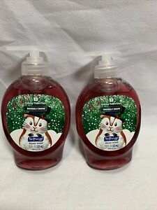 Softsoap hand soap holiday collection snuggly snow christmas 7.5fl oz x2 W3
