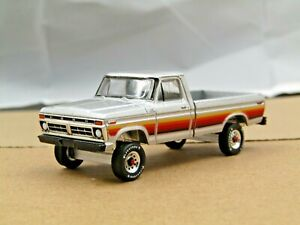 dcp/greenlight Custom lifted silver 1977 Ford F-150 pickup off road 2 1/64
