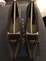 bnib LUNAR SHOES UK 5 BROWN SUEDE with CREAM STITCHING POINTED TOES BLOCK HEEL