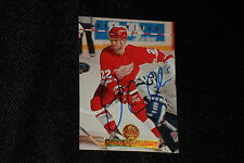 HOF DINO CICCARELLI 1994-95 LEAF SIGNED AUTOGRAPHED CARD #44 RED WINGS
