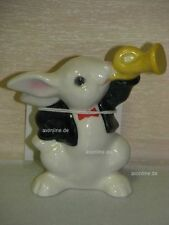 + # a004484_37 Goebel Archiv Muster Rabbit Bunny Plays Horn 33-144 with certificate