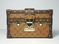 Auth Louis Vuitton Monogram inversa de lona Petite Malle Embrague Caja Bolsa Dorada HW