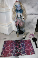 Monster High Abbey Bominable Doll Snow Monster Ghouls Rule Girls Mattel 2010
