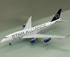 Apollo 1/400 United Airlines Boeing 747-400 N121UA Star Alliance die cast model