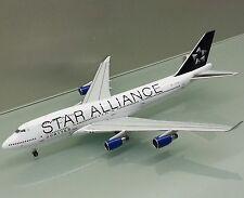 Apollo 1/400 United Airlines Boeing 747-400 N121UA Star Alliance die cast model