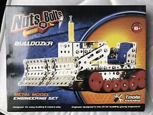 Nuts+Bolts Bulldozer Metal Model Engineering Set NEW & Boxed + Tools 6+ FIA Toys
