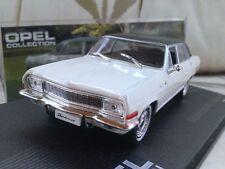 Véhicules miniatures en plastique IXO pour Opel