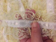 handle  lace  insert lace  white ribbon yellow lace